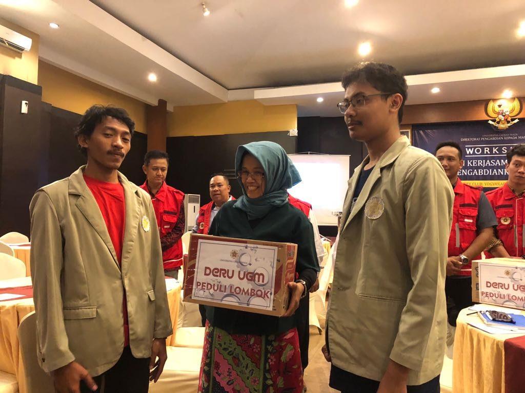 Pelepasan DERU UGM Peduli Lombok oleh Wakil Rektor UGM bidang Penelitian dan Pengabdian kepada Masyarakat